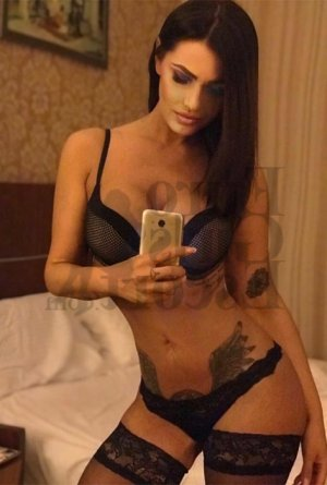 Cyliane escort girl