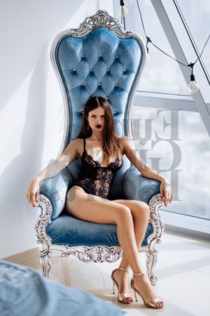 Albertine escort girls in Forest City