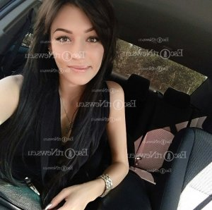 Cathia escort girl