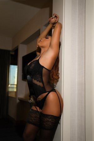 Ginger live escort in Dranesville